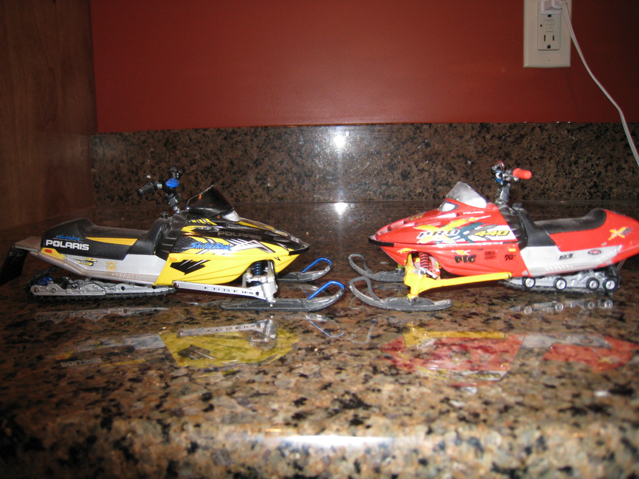 Toy  Diecast Snowmobiles