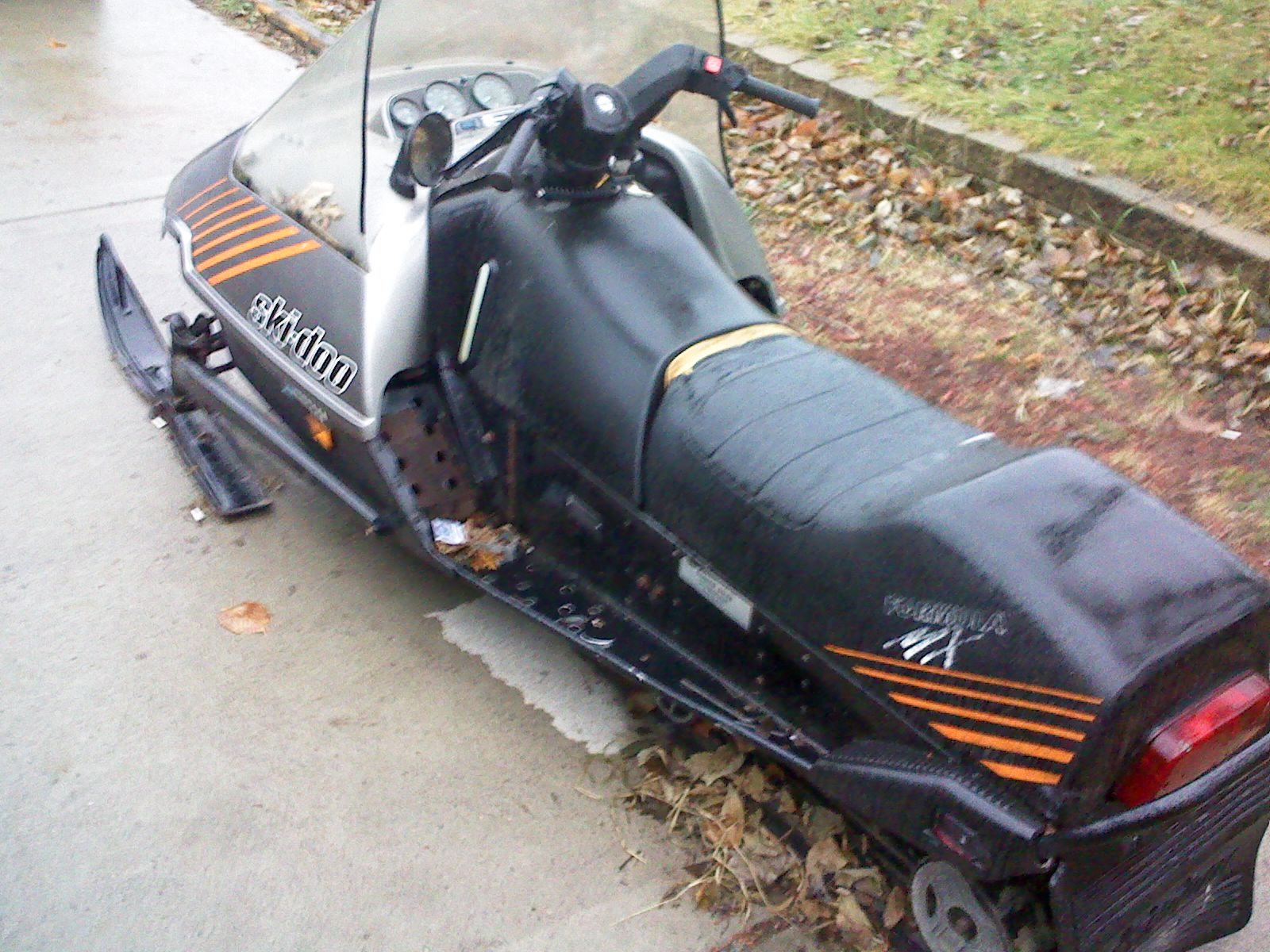 Ski Doo Legend Rotax V Twin also Sd Blizzard besides Toy Diecast Snowmobiles together with Ski Doo Brv Poster likewise Ski Doo Freeride Featured. on first ski doo snowmobile